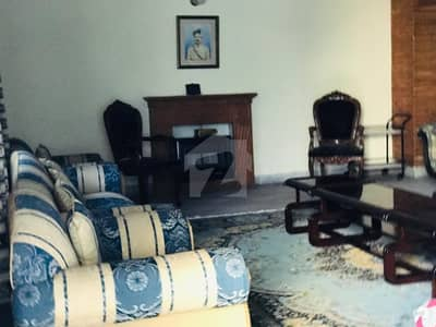 ایف ۔ 11 اسلام آباد میں 5 کمروں کا 1 کنال مکان 8.85 کروڑ میں برائے فروخت۔