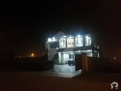 ڈی ایچ اے فیز 7 - بلاک آر فیز 7 ڈیفنس (ڈی ایچ اے) لاہور میں 7 کمروں کا 1 کنال مکان 4.3 کروڑ میں برائے فروخت۔