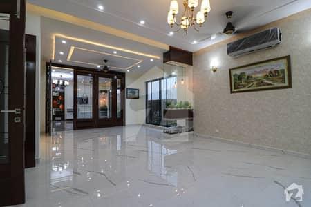 ڈی ایچ اے فیز 6 ڈیفنس (ڈی ایچ اے) لاہور میں 5 کمروں کا 1 کنال مکان 2.2 لاکھ میں کرایہ پر دستیاب ہے۔