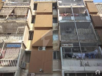 گلشنِ اقبال - بلاک 11 گلشنِ اقبال گلشنِ اقبال ٹاؤن کراچی میں 2 کمروں کا 4 مرلہ فلیٹ 65 لاکھ میں برائے فروخت۔