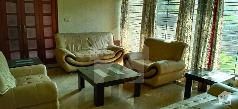 ڈی ایچ اے فیز 2 ڈیفنس (ڈی ایچ اے) لاہور میں 2 کمروں کا 1 کنال زیریں پورشن 90 ہزار میں کرایہ پر دستیاب ہے۔