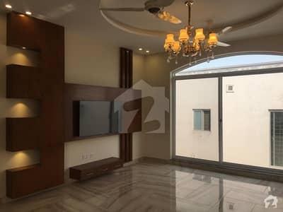ڈی ایچ اے فیز 8 سابقہ ایئر ایوینیو ڈی ایچ اے فیز 8 ڈی ایچ اے ڈیفینس لاہور میں 3 کمروں کا 1 کنال بالائی پورشن 50 ہزار میں کرایہ پر دستیاب ہے۔