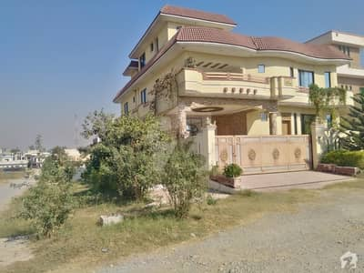 1 Kanal Luxurious Double Storey Corner House With Basement For Sale In F 15 Islamabad