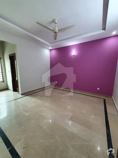 10 Marla House Available For Rent G-13