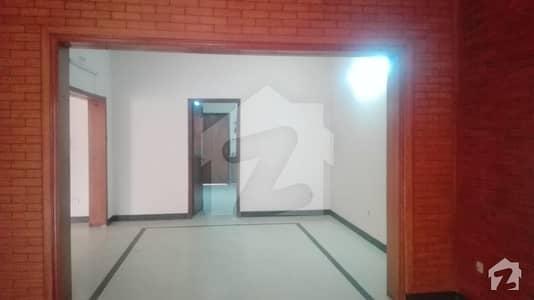 اسٹیٹ لائف ہاؤسنگ فیز 1 اسٹیٹ لائف ہاؤسنگ سوسائٹی لاہور میں 4 کمروں کا 10 مرلہ مکان 65 ہزار میں کرایہ پر دستیاب ہے۔