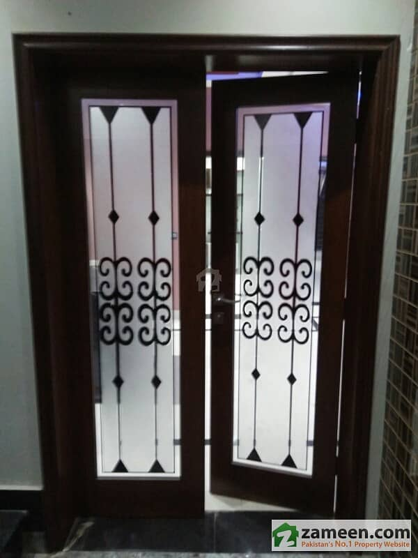 10 Marla Brand New House For Rent In Bahria Town Lahore