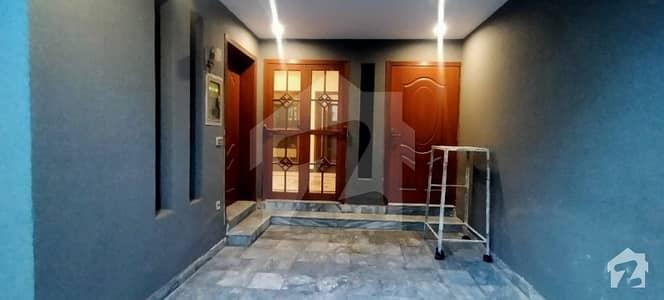 بحریہ ٹاؤن ۔ بلاک بی بی بحریہ ٹاؤن سیکٹرڈی بحریہ ٹاؤن لاہور میں 3 کمروں کا 5 مرلہ مکان 1.35 کروڑ میں برائے فروخت۔