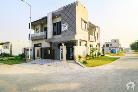 Corner Location Facing Park 10 Marla Brand New Luxury House For Sale