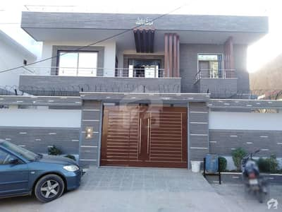 گلشنِ معمار - سیکٹر ایکس گلشنِ معمار گداپ ٹاؤن کراچی میں 6 کمروں کا 16 مرلہ مکان 4 کروڑ میں برائے فروخت۔