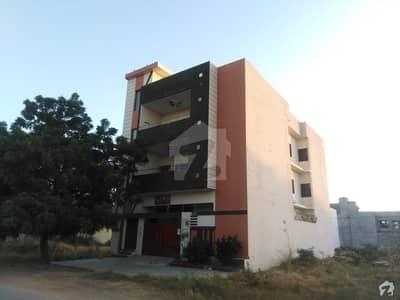 گلشنِ معمار گداپ ٹاؤن کراچی میں 7 کمروں کا 10 مرلہ مکان 2.6 کروڑ میں برائے فروخت۔