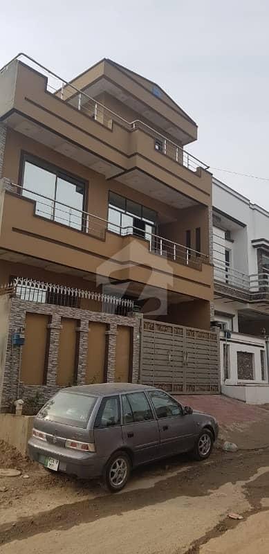 بوسٹن ویلی راولپنڈی میں 4 کمروں کا 6 مرلہ مکان 1.4 کروڑ میں برائے فروخت۔