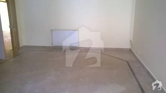 ایف ۔ 11/1 ایف ۔ 11 اسلام آباد میں 5 کمروں کا 1 کنال مکان 6 کروڑ میں برائے فروخت۔