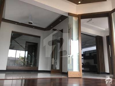 ڈی ایچ اے فیز 8 ڈیفنس (ڈی ایچ اے) لاہور میں 3 کمروں کا 10 مرلہ مکان 2.88 کروڑ میں برائے فروخت۔