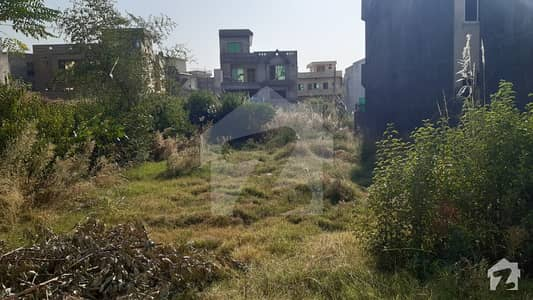 10 Marla Plot For Sale In Pakistan Town Phase 2