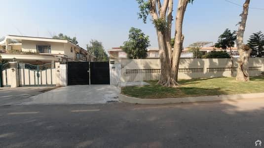 ای ۔ 7 اسلام آباد میں 5 کمروں کا 2 کنال مکان 4.5 لاکھ میں کرایہ پر دستیاب ہے۔