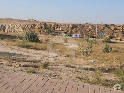 P4 500 yards Beautiful location corner possession utility paid available for sale in bahria town karachi
