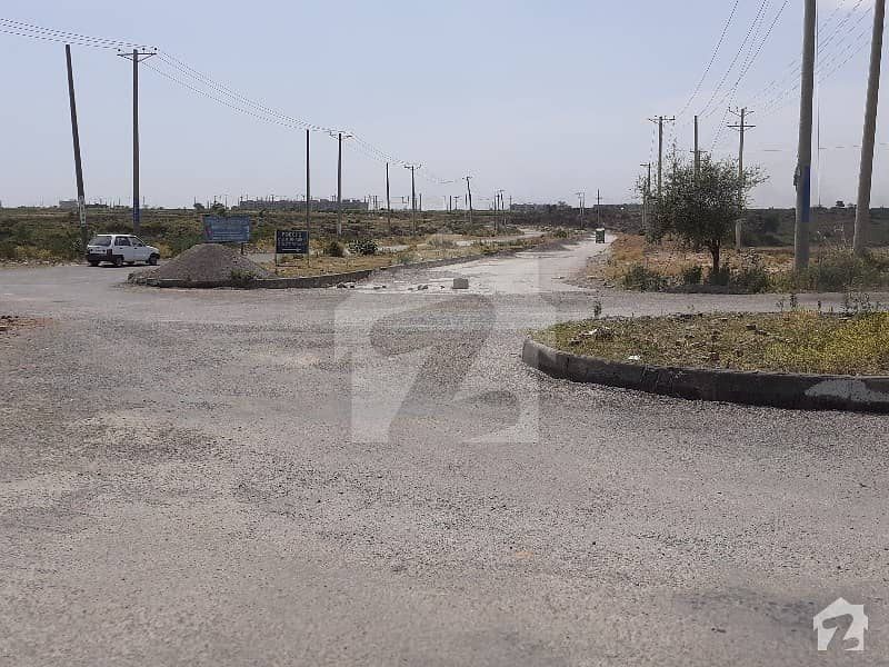 آئی۔12/2 آئی ۔ 12 اسلام آباد میں 8 مرلہ رہائشی پلاٹ 1.05 کروڑ میں برائے فروخت۔