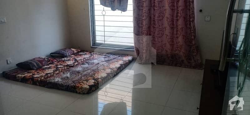 اسٹیٹ لائف فیز 1 - بلاک ایف اسٹیٹ لائف ہاؤسنگ فیز 1 اسٹیٹ لائف ہاؤسنگ سوسائٹی لاہور میں 4 کمروں کا 10 مرلہ مکان 1.95 کروڑ میں برائے فروخت۔