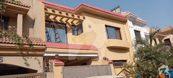 Abu Bakar Block 7 Marla Old House Available For Sale