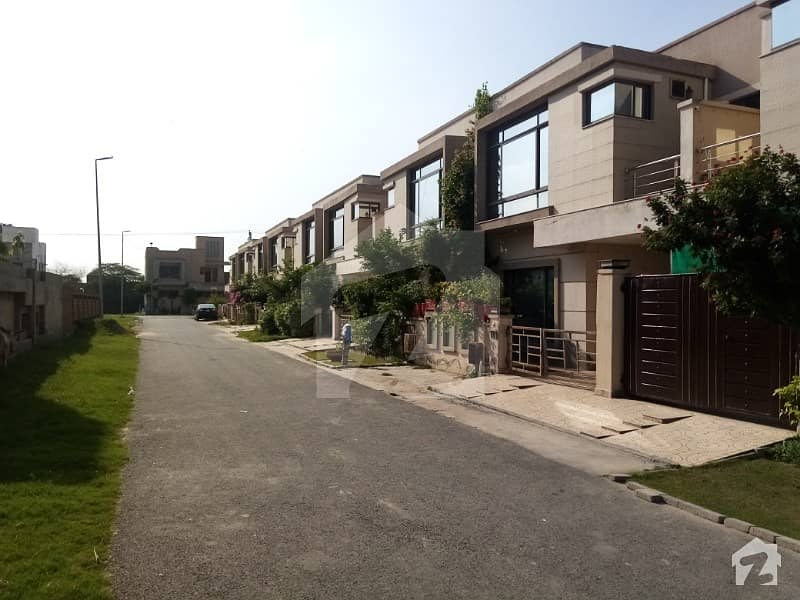 5 Marla Parklane With Gas Is Available For Rent