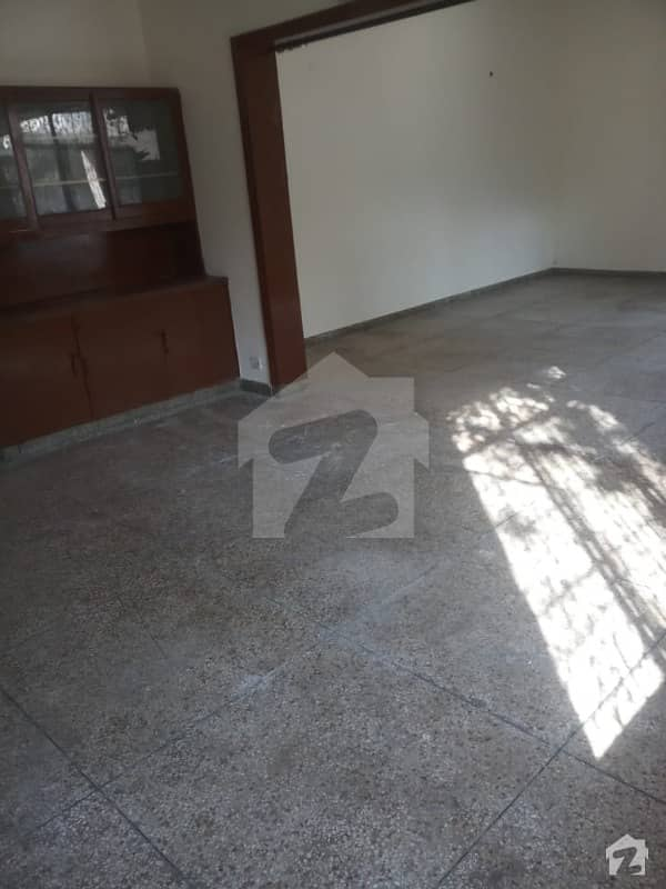50 Marla Tariq Road Cantt House Of Most Secure Area Available For Rent