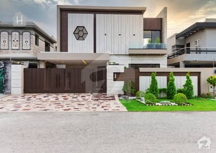 Beautiful Dream Villa Available For Sale In DHA Phase 6