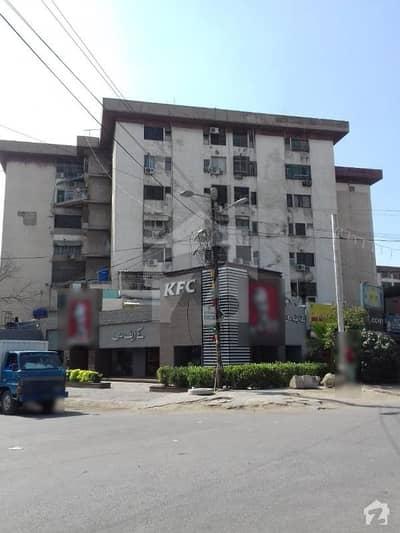 کلفٹن ۔ بلاک 5 کلفٹن کراچی میں 3 کمروں کا 7 مرلہ فلیٹ 2.7 کروڑ میں برائے فروخت۔