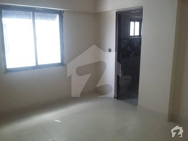 جناح ایونیو کراچی میں 2 کمروں کا 4 مرلہ فلیٹ 66 لاکھ میں برائے فروخت۔