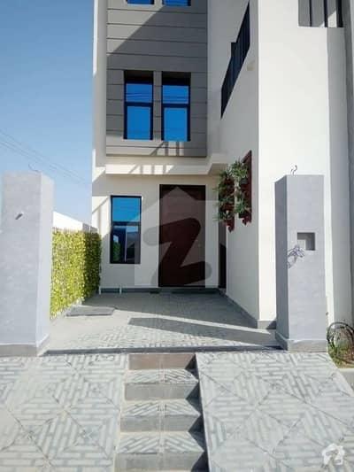 سُپر ہائی وے کراچی میں 3 کمروں کا 5 مرلہ مکان 1.7 کروڑ میں برائے فروخت۔