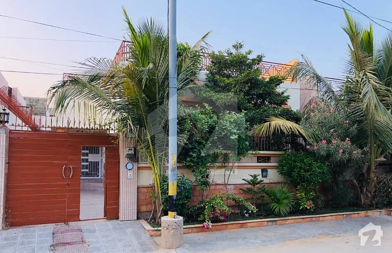 House Is Available For Sale In Saadi Road Karachi