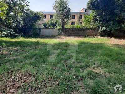 An Excellent Plot  60 X100  666 Sq Yds Small Dead End Street Dead Ednd Corner Plot F8 Is Available For Sale