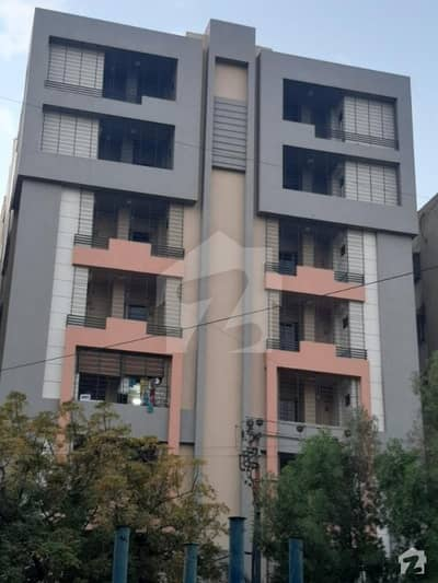 Flat Of 900  Square Feet In Shaheed Millat Road For Rent