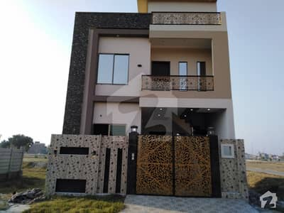 House Is Available For Sale In Mannan Town