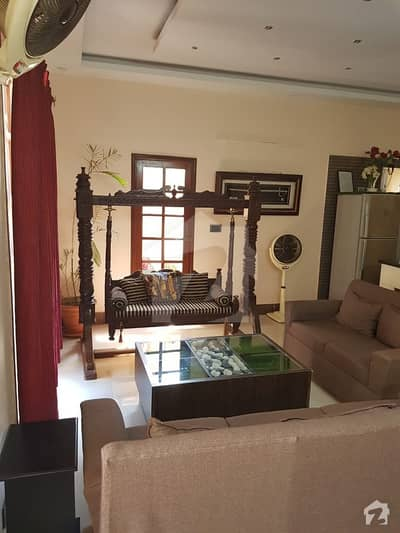 2nd Floor + Penthouse for Sale 6 Beds