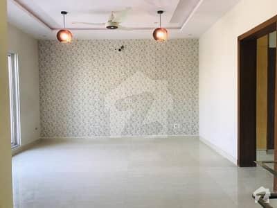 بحریہ ٹاؤن فیز 8 ۔ بلاک ایم بحریہ ٹاؤن فیز 8 بحریہ ٹاؤن راولپنڈی راولپنڈی میں 4 کمروں کا 5 مرلہ مکان 1.25 کروڑ میں برائے فروخت۔