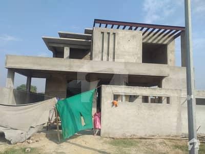 ڈی ایچ اے فیز 8 - بلاک ایس فیز 8 ڈیفنس (ڈی ایچ اے) لاہور میں 5 کمروں کا 1 کنال مکان 3.25 کروڑ میں برائے فروخت۔