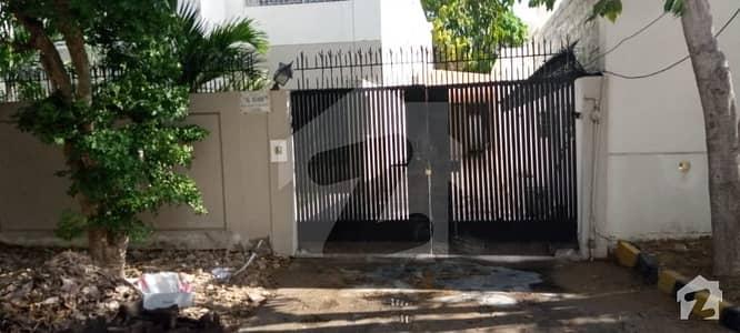 کلفٹن ۔ بلاک 3 کلفٹن کراچی میں 5 کمروں کا 1 کنال مکان 12 کروڑ میں برائے فروخت۔