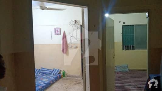 نارتھ کراچی - سیکٹر 14-بی نارتھ کراچی کراچی میں 2 کمروں کا 3 مرلہ فلیٹ 25 لاکھ میں برائے فروخت۔