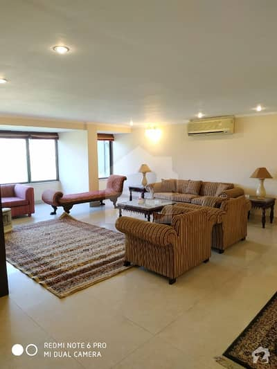 Fully Furnished 3 Bedrooms Apartment