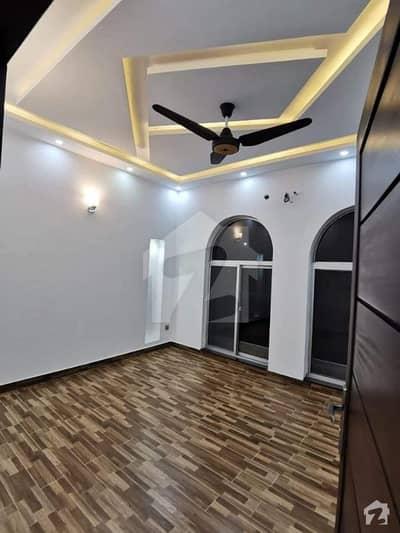ڈی ایچ اے فیز 4 ڈیفنس (ڈی ایچ اے) لاہور میں 3 کمروں کا 1 کنال بالائی پورشن 50 ہزار میں کرایہ پر دستیاب ہے۔