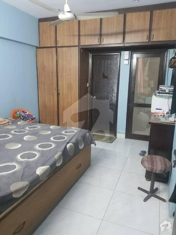 سحر کمرشل ایریا ڈی ایچ اے فیز 7 ڈی ایچ اے کراچی میں 2 کمروں کا 4 مرلہ فلیٹ 1.1 کروڑ میں برائے فروخت۔