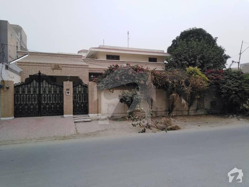 پیپلز کالونی نمبر 1 فیصل آباد میں 19 مرلہ مکان 6.5 کروڑ میں برائے فروخت۔
