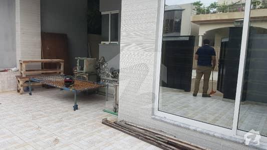 اقبال ایوینیو فیز 1 اقبال ایوینیو لاہور میں 5 کمروں کا 10 مرلہ مکان 2.4 کروڑ میں برائے فروخت۔