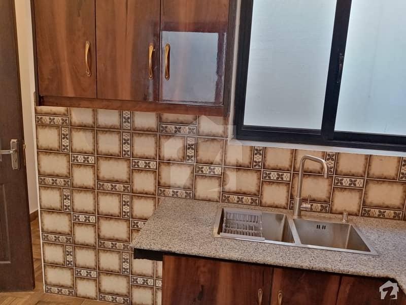 سٹی ہاؤسنگ سوسائٹی - بلاک اے سٹی ہاؤسنگ سوسائٹی سیالکوٹ میں 5 کمروں کا 12 مرلہ مکان 2.4 کروڑ میں برائے فروخت۔