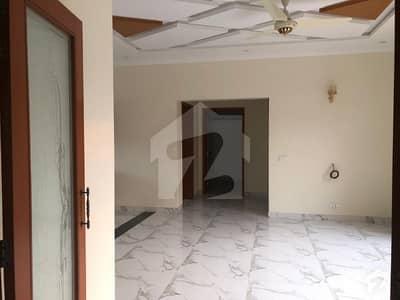 لیک سٹی ۔ سیکٹر ایم ۔ 3 لیک سٹی رائیونڈ روڈ لاہور میں 6 کمروں کا 1 کنال مکان 4.25 کروڑ میں برائے فروخت۔