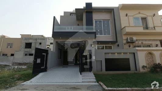 سٹیٹ لائف فیز۱۔ بلاک اے ایکسٹینشن اسٹیٹ لائف ہاؤسنگ فیز 1 اسٹیٹ لائف ہاؤسنگ سوسائٹی لاہور میں 3 کمروں کا 5 مرلہ مکان 1.18 کروڑ میں برائے فروخت۔