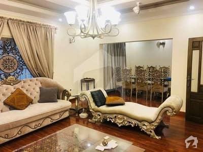 ایف ۔ 11 اسلام آباد میں 10 کمروں کا 2 کنال مکان 18 کروڑ میں برائے فروخت۔