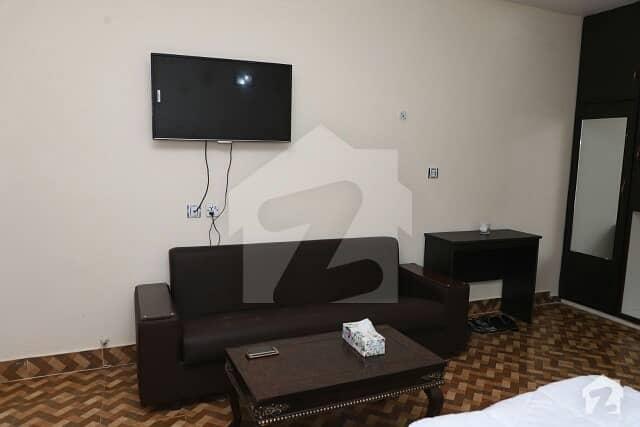 ماڈل ٹاؤن لاہور میں 1 کمرے کا 2 مرلہ کمرہ 22 ہزار میں کرایہ پر دستیاب ہے۔