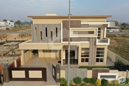 ڈی ایچ اے فیز 8 - بلاک ایس فیز 8 ڈیفنس (ڈی ایچ اے) لاہور میں 5 کمروں کا 1 کنال مکان 5.5 کروڑ میں برائے فروخت۔