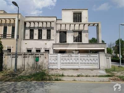 بحریہ نشیمن ۔ زِنیا بحریہ نشیمن لاہور میں 4 کمروں کا 11 مرلہ مکان 1.3 کروڑ میں برائے فروخت۔